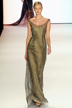 Carolina Herrera is a genius. She knows how to make clothes look fabulous on a woman's body.