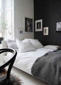 Bedroom wall paint ideas in 140 photos!- Schlafzimmer Wandfarbe Ideen in 140 Fotos! wall color and gray-equip glorious-small-bedroom- - Girls Bedroom, Home Bedroom, Modern Bedroom, Bedroom Wall, Bedroom Decor, Bedroom Ideas, Master Bedroom, Trendy Bedroom, Bed Room