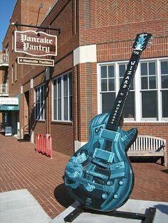 Wizard of Waukesha guitar design