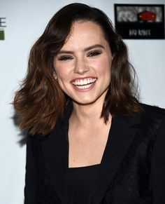 """Daisy Ridley """"see sparks fly when you smile"""""""