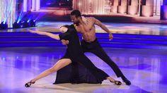 """Sesta puntata di Ballando con le Stelle questa sera su Rai1. Ospiti della 6a puntata gli attori di """"Don Matteo"""" ai quali il pubblico è molto"""