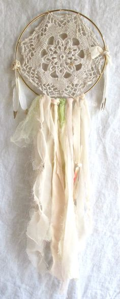 diy doily dreamcatcher I'm so making one of these for Peyton's room Doily Dream Catchers, Doilies Crafts, Crochet Doilies, Wind Chimes, Fun Crafts, Home Crafts, Dreamcatchers, Craft Projects, Fabric Scraps