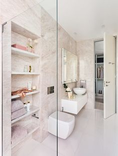 Une salle de bain ouverte sur jardin   Architecture