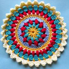 Mandala de ganchillo, crochet posavasos, agarraderas a crochet, ganchillo c Crochet Placemats, Crochet Bunting, Crochet Squares, Crochet Flowers, Crochet Stitches, Knit Crochet, Free Crochet, Granny Squares, Crochet Humor