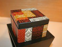 Boîte en bois peinte à la main - motifs africains