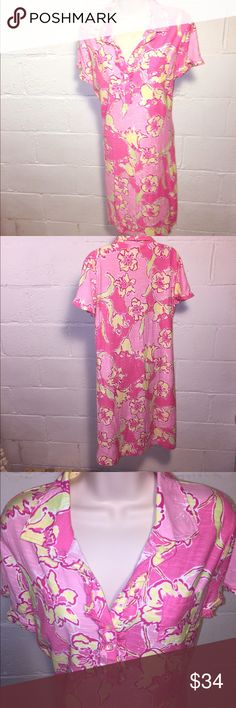 LillyPulitzer 100% cotton pink dress Great condition.  No stains, tears, or holes  •I bundle & discount bundles •If an item is higher than you want to pay, message an offer or favorite & wait for price to drop weekly.  •My mannequin is Xsm so sometimes items appear loose or I clip back for actual look/fit •Usually ships within 24 hrs and latest 48 hours unless otherwise noted.  •Some of my items are various sizes because I sell for sister as well. #LillyPulitzer #floral #cottondress #dress…
