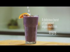 Wild Blueberry Blood Orange & Ginger Smoothie Recipe by Stephanie McKercher of The Grateful Grazer Detox Smoothie Recipes, Ginger Smoothie, Vegan Smoothies, Breakfast Smoothies, Healthy Carbs, Healthy Recipes, Colorful Fruit, Vegan Nutrition, Wild Blueberries