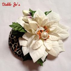 White Poinsettia and Leopard fascinator, Rockabilly Vintage Christmas Party, Pin Up by DiabloJos on Etsy