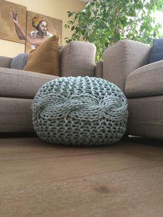 Kötött puff, Knitted pouf