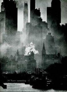 Andreas Feininger : study of New York City Manhattan skyline Black White Art, Black White Photos, Black And White Photography, Fine Art Photography, Street Photography, Dramatic Photography, Art Abstrait, Urban Landscape, Landscape Art