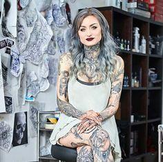 Ryan Ashley Malarkey, first female Ink Master winner. Ryan Ashley Ink Master, Ryan Ashley Tattoo, Hot Tattoo Girls, Tattoed Girls, Inked Girls, Hot Tattoos, Girl Tattoos, Tatoos, Ryan Ashley Malarkey