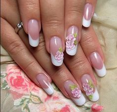 Round nails are pretty too