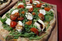 Un nuovo modo di gustare la pizza. Leggera e digeribile!! Scopri di più su www.altrapizza.it!!