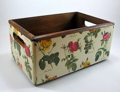 Decoupage Decoupage Furniture, Decoupage Art, Furniture Projects, Diy Craft Projects, Diy And Crafts, Projects To Try, Wood Crafts, Wooden Crates, Wooden Boxes