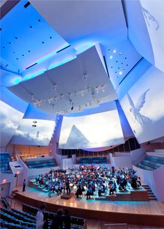 Enjoy a performance by New World Symphony, explore Faena District, or come experience Art Basel Miami Beach each December. Here's our guide to Arts and Culture on Miami Beach. Cultural Architecture, Architecture Quotes, Contemporary Architecture, Pictures At An Exhibition, Art Basel Miami, Frank Gehry, Popular Art, Beach Art, Miami Beach
