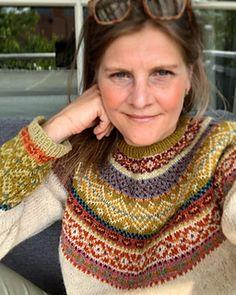 Ravelry: Hulda Sommerstrikk pattern by Kristin Wiola Ødegård Fair Isle Knitting Patterns, Jumper Patterns, Fair Isle Pattern, Hand Knitted Sweaters, Knitted Blankets, Norwegian Knitting, Arm Knitting, Knitting Accessories, Knitting Projects