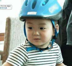 "'Superman Is Back' Releases ""Baby"" Album for Triplet Minguk Superman Kids, Man Se, Song Triplets, Song Daehan, Baby Songs, Korean Babies, Baby Album, Korean Star, Cute Korean"
