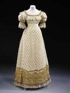 1820 British Ball Gown.(Image via Victoria and Albert Museum,)