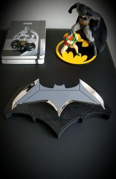 I HAZ A BATARANG!!!   It's made of metal, and super heavy, and super sharp, and super shiny and...I just shot my eye out.   #Batman
