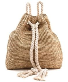 The Lazy Girl's Guide To Packing Like A Pro, Raffia Crochet Backpack. Mochila Crochet, Crochet Bags, Crochet Shoes, My Bags, Purses And Bags, Travel Accessories, Fashion Accessories, Sac Lunch, Crochet Backpack