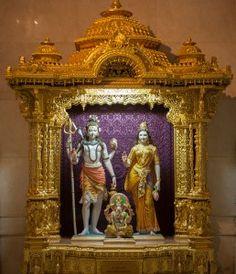 Garbhagruh Pictures – Swaminarayan Akshardham New Delhi Radha Krishna Pictures, Krishna Art, Shri Ganesh, Shree Krishna, Radhe Krishna, Hanuman, Durga, Om Namah Shivaya, Shri Ram Photo