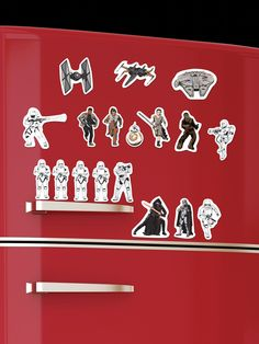 24 Magnete mit den Figuren aus Star Wars Episode VII: Das Erwachen der Macht! Für galaktische Schlachten auf dem Kühlschrank oder als mächtig ausgefallenes Geschenk für Fans der Reihe ...