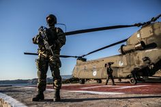 Greek and proud! Hellenic Army, Hellenic Air Force, Greek Island Tours, Chinook Helicopters, Special Operations Command, Army & Navy, Greece Travel, Military, Landing