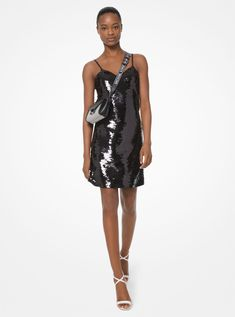 Shop designer clothing for women on the official Michael Kors site. Discover our luxury dresses, jackets and tops and enjoy free delivery on your purchase. Vestido Michael Kors, Little White Dresses, Luxury Dress, Embellished Dress, Party Looks, Dress First, Ladies Dress Design, Chic Outfits, Party Dress