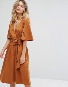 100 модных новинок: Платье с запахом 2018 года на фото