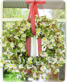 daisy wreath - love the bow