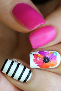 Opting for bright colours or intricate nail art isn't a must anymore. This year, nude nail designs are becoming a trend. Here are some nude nail designs. Fancy Nails, Cute Nails, Pretty Nails, My Nails, Flower Nail Designs, Nail Designs Spring, Beautiful Nail Designs, Cool Nail Designs, Nails Kylie Jenner