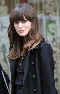 93 Stunning Hairstyles for Oval Faces That Will Make You Look Lovely which hairstyles suit long faces - HairStyles Casual Hairstyles, Hairstyles For Round Faces, Pretty Hairstyles, Layered Hairstyles, Vintage Hairstyles, Layered Thick Hair, Keira Christina Knightley, Keira Knightley Hair, Corte Y Color