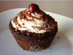 Lahodné Schwarzwaldské muffins - My site Mini Cheesecakes, Mini Desserts, Cupcake Recipes, Cupcake Cakes, Muffins, Sweet And Salty, Something Sweet, Sweet Recipes, Sweet Tooth