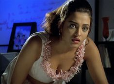 Aishwarya rai Aishwarya Rai Makeup, Actress Aishwarya Rai, Beautiful Girl Indian, Most Beautiful Indian Actress, Indian Actress Photos, Indian Actresses, Actress Priya, Bollywood Girls, Beautiful Bollywood Actress