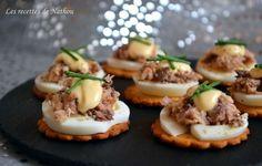 Petits toasts aux oeufs et sardines citronnées, mayonnaise au Tabasco