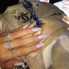 Khloe Kardashian had long light pink nails Acrylic Nail Shapes, Acrylic Nails, Gel Nail, Coffin Nails, Khloe Kardashian Nails, Cute Nails, Pretty Nails, Hair And Nails, My Nails
