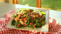 Aoife's Tuna Panzanella Salad Turkey Club Sandwich, Salmon Sandwich, Caprese Pasta Salad, Avocado Tomato Salad, How To Cook Pasta, How To Cook Chicken, Spinach Salad With Chicken, Celery Soup, Natural Yogurt