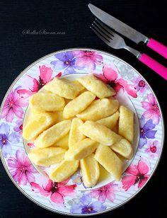 Leniwe Pierogi - Przepis - Słodka Strona Pierogi, Fruit Salad, Pineapple, Food And Drink, Cooking Recipes, Meals, Polish, Fit, Thermomix