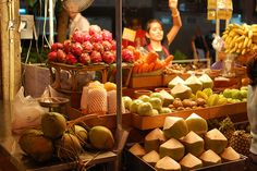 Fruit seller, Bangkok by duncanmacrosson, via Flickr