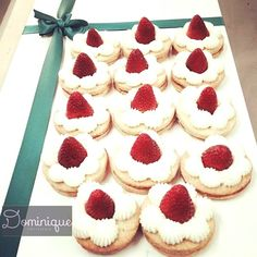 strawberries, cream and cookies