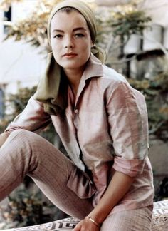 Photograph of Romy Schneider in various sizes, also as poster, canvas or art-print Romy Schneider, Marilyn Monroe, Sarah Biasini, Rita Moreno, Old Hollywood Movies, Alain Delon, Jane Birkin, Music Images, Deneuve