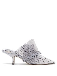Polka-dot tulle and PVC mules Pretty Shoes, Beautiful Shoes, Crazy Shoes, New Shoes, Star Fashion, Girl Fashion, Fashion Shoes, Fashion Accessories, Shoes World