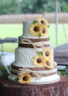 Sunflowers and Burlap Wedding Cake!  Textured Buttercream.  Fondant Sunflowers.