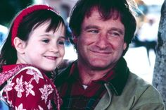 The only former child actress to grow into a sensible human, Mara Wilson, wrote a perfect Robin Williams tribute. She played his daughter in Mrs Doubtfire. Mara Wilson, Madame Doubtfire, Mrs Doubtfire, Freddie Prinze, George Foreman, Les Miserables, Ashton Holmes, Robin Williams Death, Zelda Williams