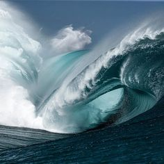 """Teahupo'o (in Tahiti) ~ The most dangerous rideable big wave on Earth. ~ Miks' Pics """"Waves"""" board @ http://www.pinterest.com/msmgish/waves/"""