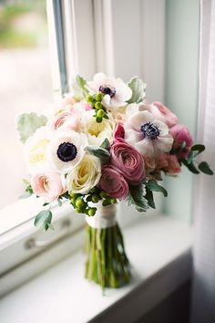 "I've seen this multiple times and I always say ""that's so pretty!"" so I'm pinning it...Ranunculus and anemones."