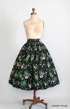 Vintage 1950s Floral Full Skirt.