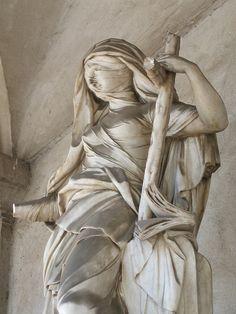 la Religione  La scultura, datata 1789 e firmata, è una delle ultime opere di Giuseppe Sanmartino, grande scultore napoletano, autore del più famoso Cristo Velato della cappella Sansevero a Napoli.