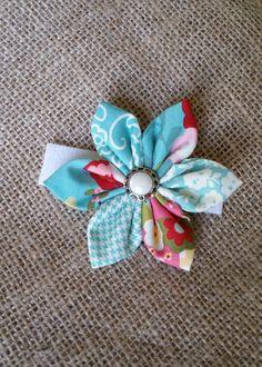 Flower collar bow, adjustable velcro on the back