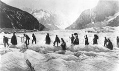 Victorian travellers on the Chamonix Glacier in the Savoy Alps, France, 1867 Historical Times: Photo Photographs Of People, Vintage Photographs, Vintage Photos, Vintage Posters, Chamonix Mont Blanc, Excursion, Photocollage, Grand Tour, Historical Photos
